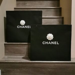 Chanel extra large paper shopping bag